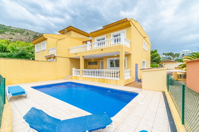 Ref:V4192E Villa For Sale in Albir