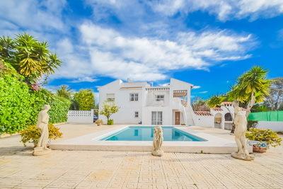 Ref:V4202E Villa For Sale in Alfaz del Pi