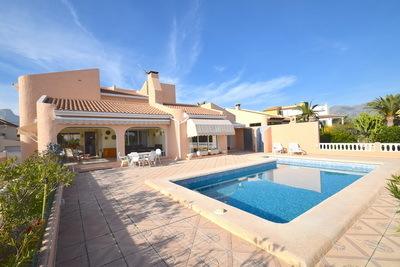 Ref:V4204E Villa For Sale in La Nucia