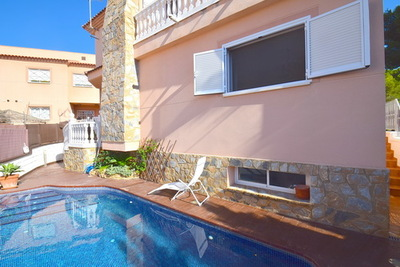 Ref:V4217E Semi-detached Villa For Sale in Albir