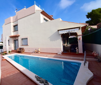 Ref:V4219E Villa For Sale in Albir