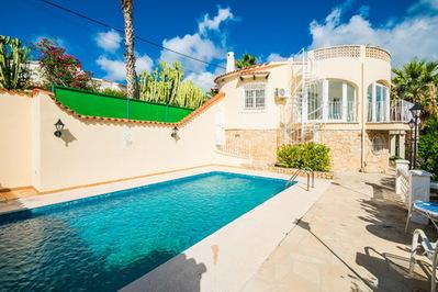 Ref:V4253E Villa For Sale in La Nucia
