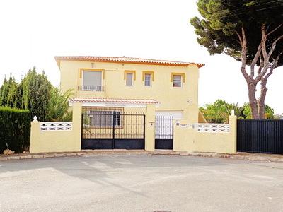 Ref:V4261 Villa For Sale in La Nucia