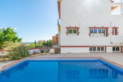 Ref:V4299E Villa For Sale in La Nucia