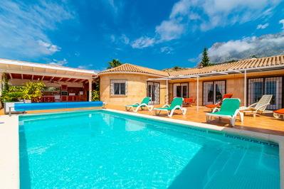 Ref:V4304E Villa For Sale in Finestrat