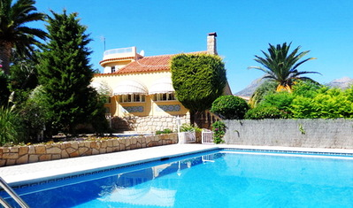 Ref:V3887 Villa For Sale in