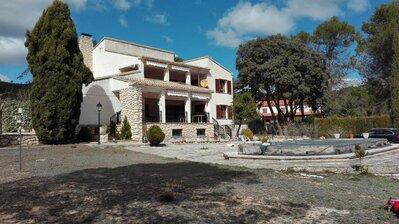 Ref:A15576 Villa For Sale in ALCOY